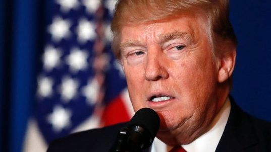 Donald Trump lance des poursuites contre les banques Deutsche Bank et Capital Ones